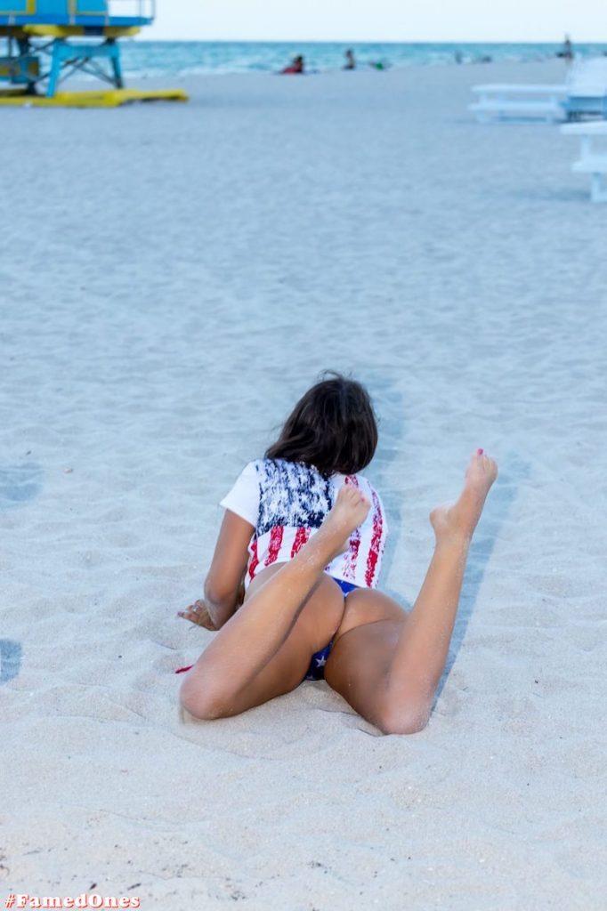 Claudia Romani hot amflag style posing fappening pics FamedOnes.com 198 03