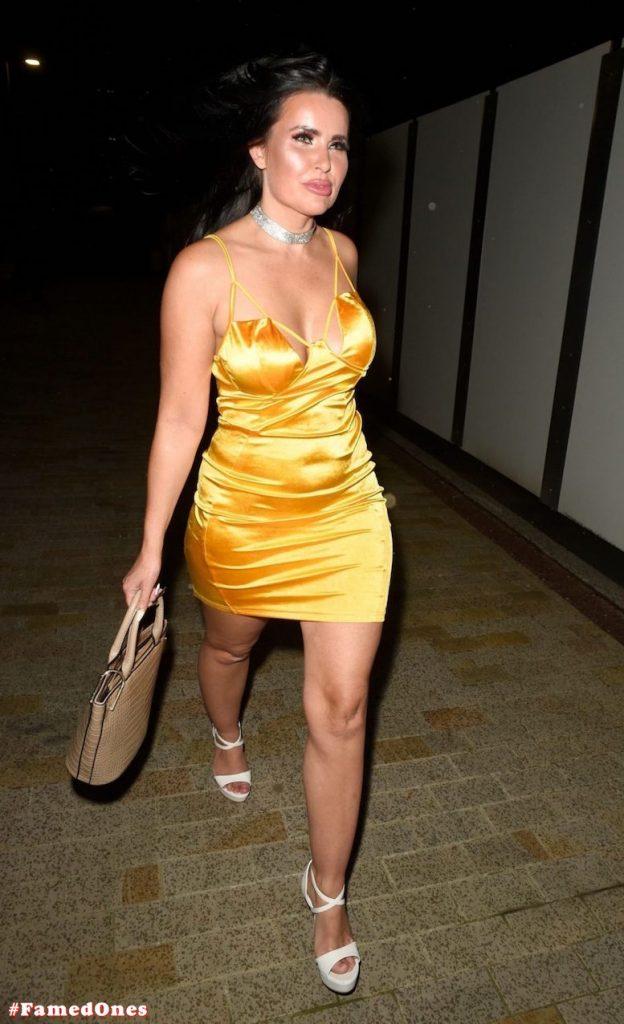 Sarah Longbottom sexy topless fappening public pics FamedOnes.com 003 06