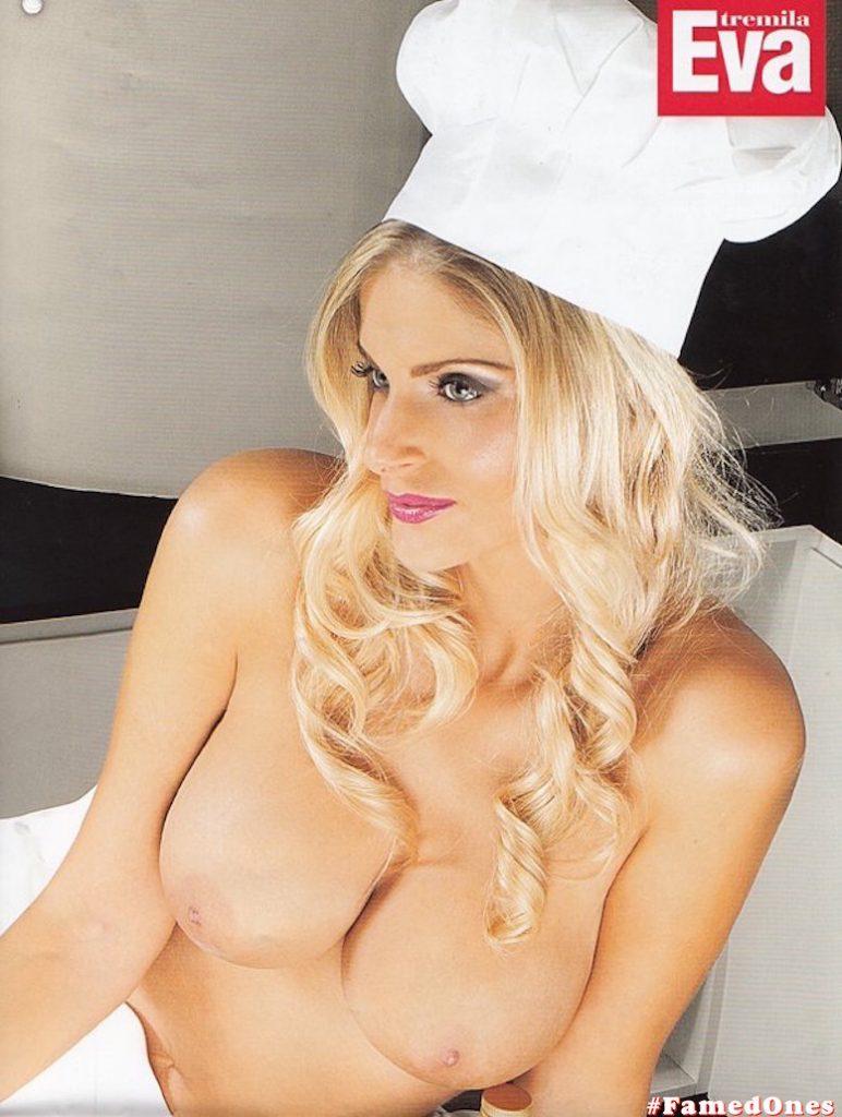 Francesca Cipriani posing naked fappening pics FamedOnes.com 002 03