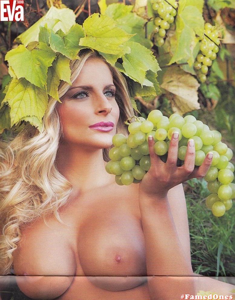 Francesca Cipriani posing naked fappening pics FamedOnes.com 002 08