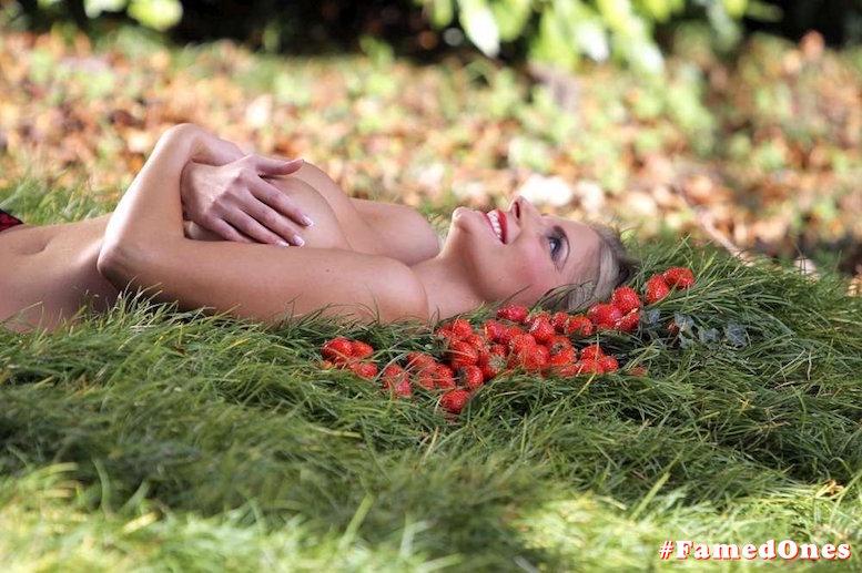 Francesca Cipriani topless fappening pics FamedOnes.com 001 04
