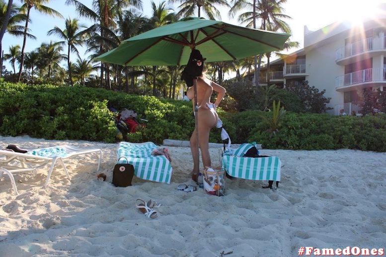 Francesca Cipriani topless paparazzi fappening pics FamedOnes.com 004 09