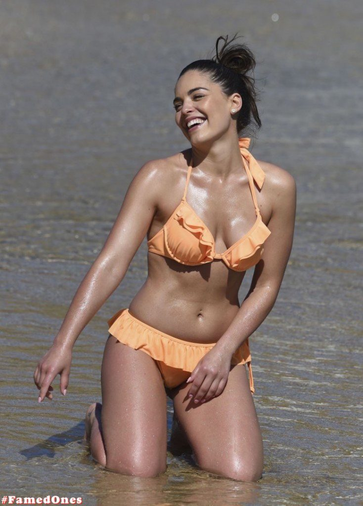 Olympia Valance hot sexy bikini fappening paparazzi pics FamedOnes.com 003 13