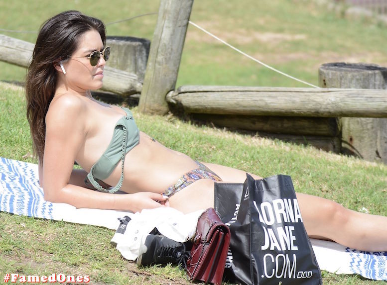 Olympia Valance sexy hot fappening paparazzi pics FamedOnes.com 016 05
