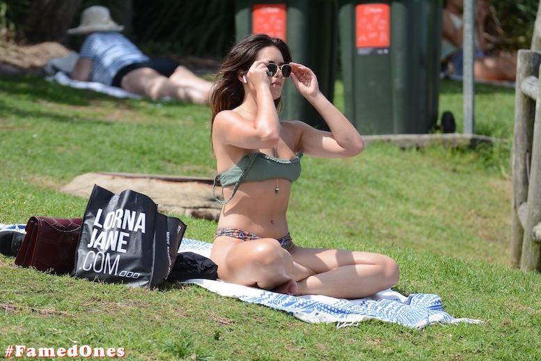 Olympia Valance sexy hot fappening paparazzi pics FamedOnes.com 016 14