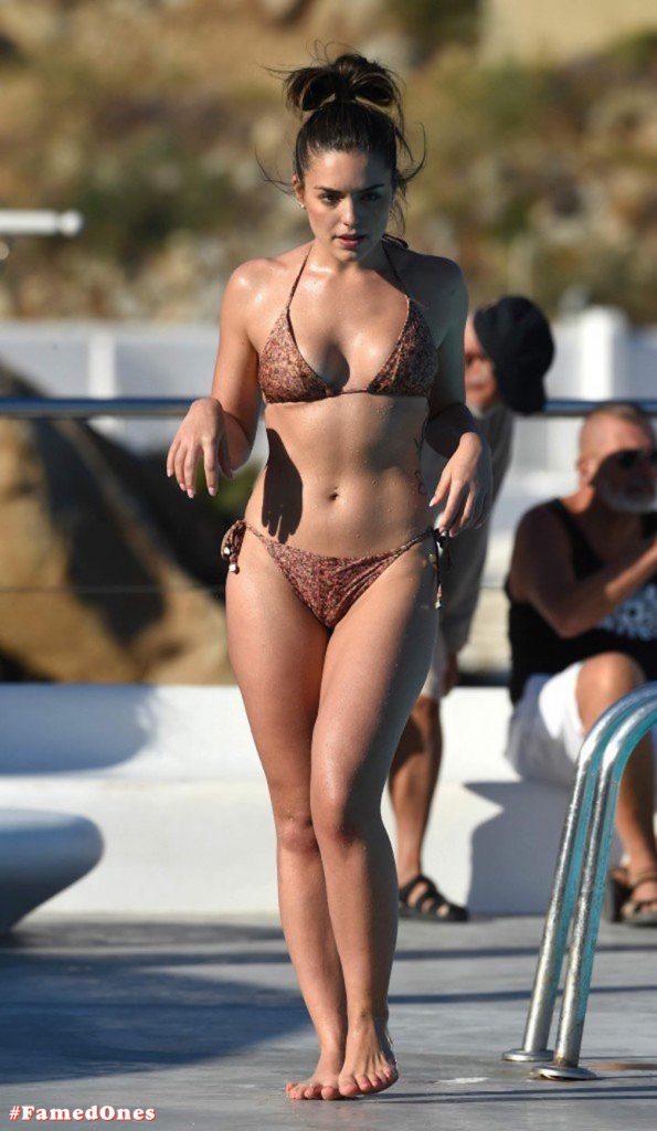 Olympia Valance sexy pool bikini fappening pics FamedOnes.com 005 10