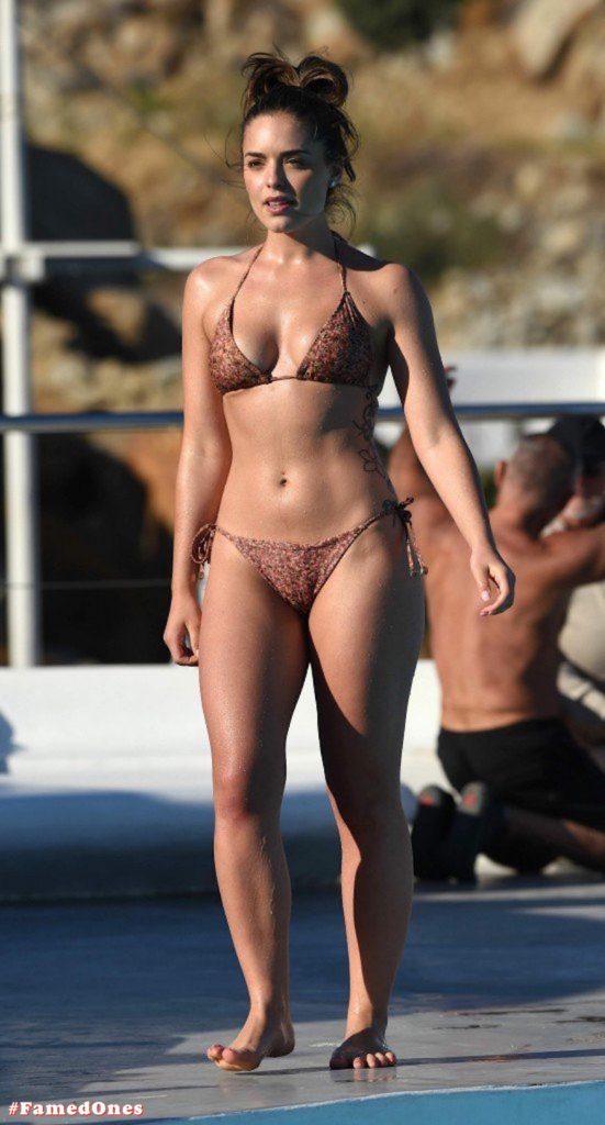 Olympia Valance sexy pool bikini fappening pics FamedOnes.com 005 11