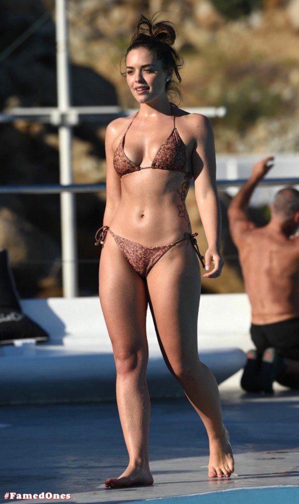 Olympia Valance sexy pool bikini fappening pics FamedOnes.com 005 12