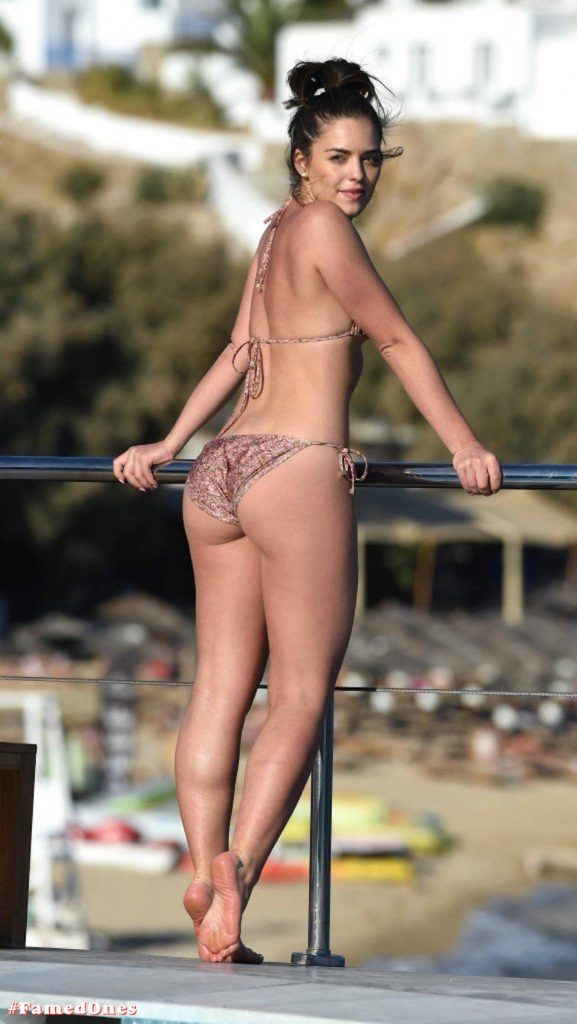 Olympia Valance sexy pool bikini fappening pics FamedOnes.com 005 19