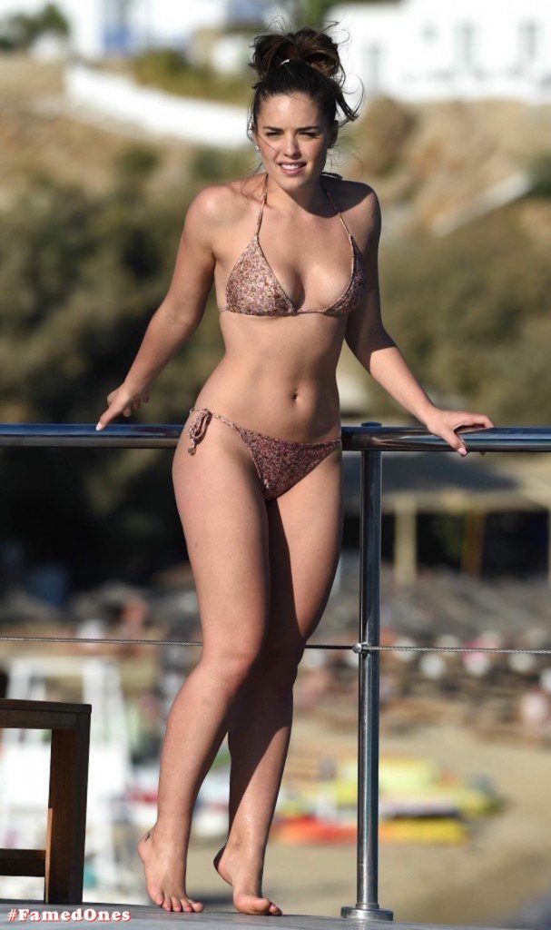 Olympia Valance sexy pool bikini fappening pics FamedOnes.com 005 22