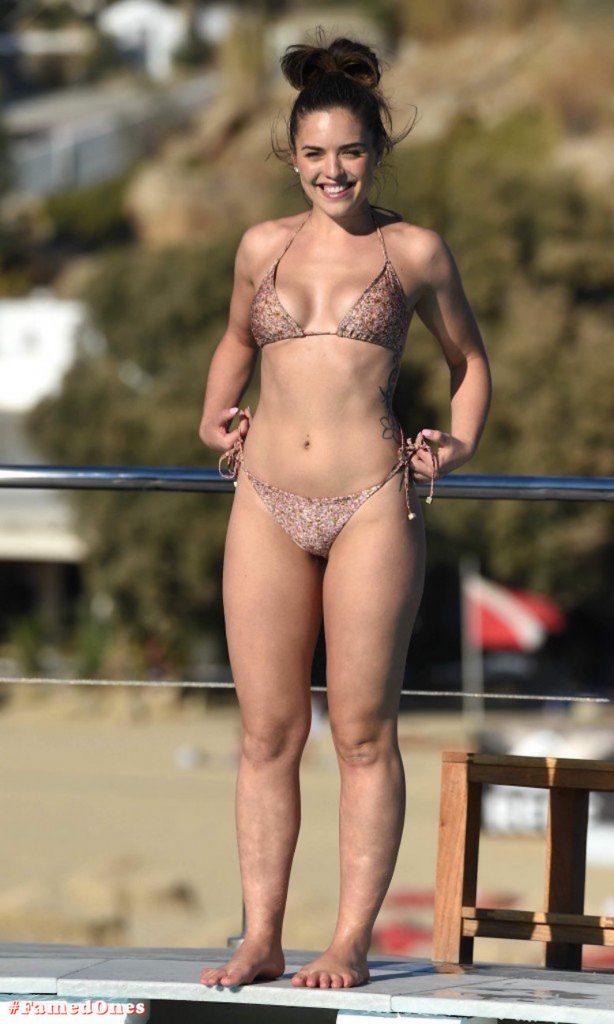 Olympia Valance sexy pool bikini fappening pics FamedOnes.com 005 24