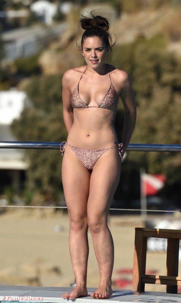 Olympia Valance sexy pool bikini fappening pics FamedOnes.com 005 25