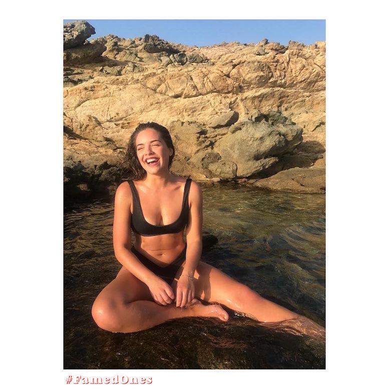 Olympia Valance wet sexy bikini posing fappening pics FamedOnes.com 014 01