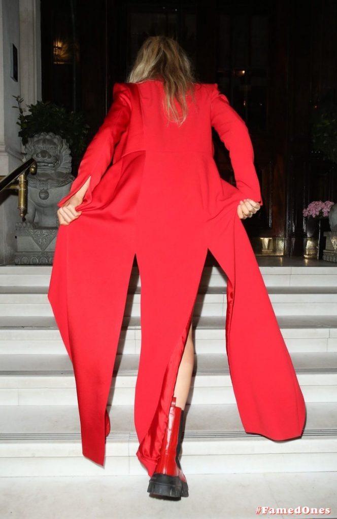 Ellie Goulding sexy cameltoe fappening public pics FamedOnes.com 022 045